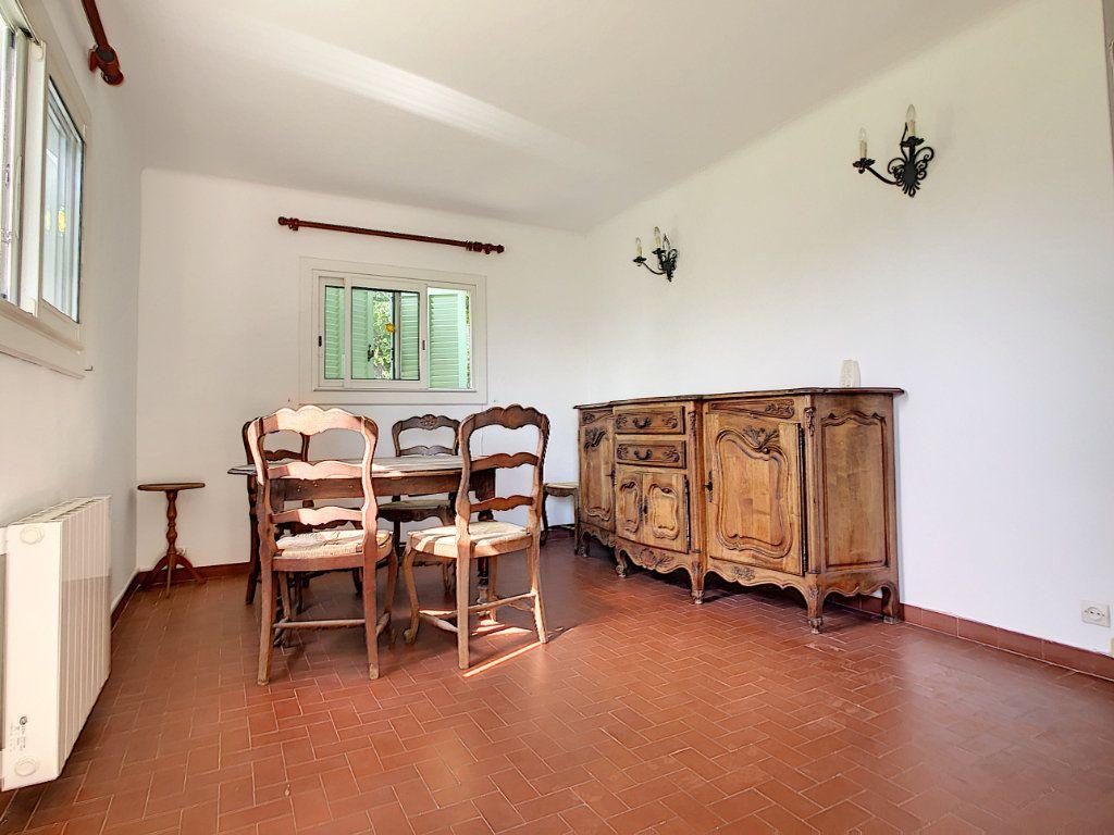 Maison à vendre 5 115m2 à Saint-Paul-de-Vence vignette-15
