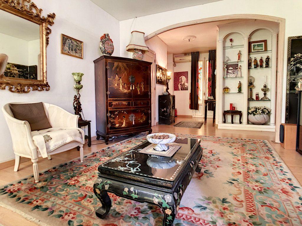 Appartement à vendre 3 85.08m2 à Juan-les-Pins - Antibes vignette-3