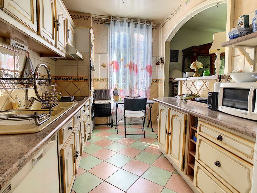 Appartement à vendre 3 85.08m2 à Juan-les-Pins - Antibes vignette-4