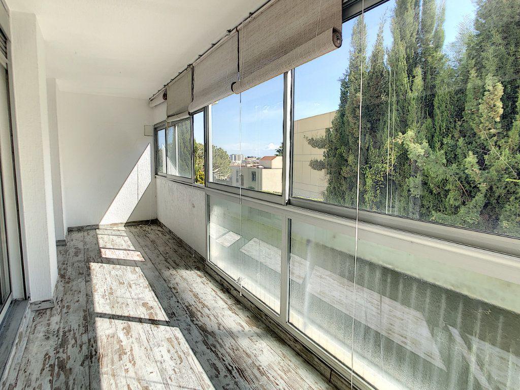 Appartement à vendre 3 86.6m2 à Saint-Laurent-du-Var vignette-1