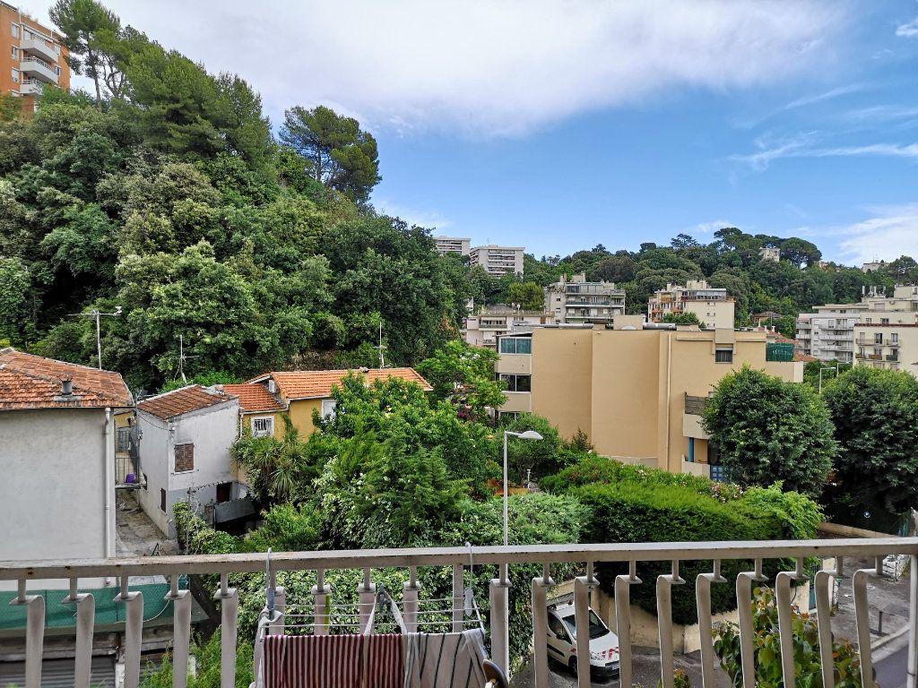 Appartement à louer 3 59.65m2 à Nice vignette-1