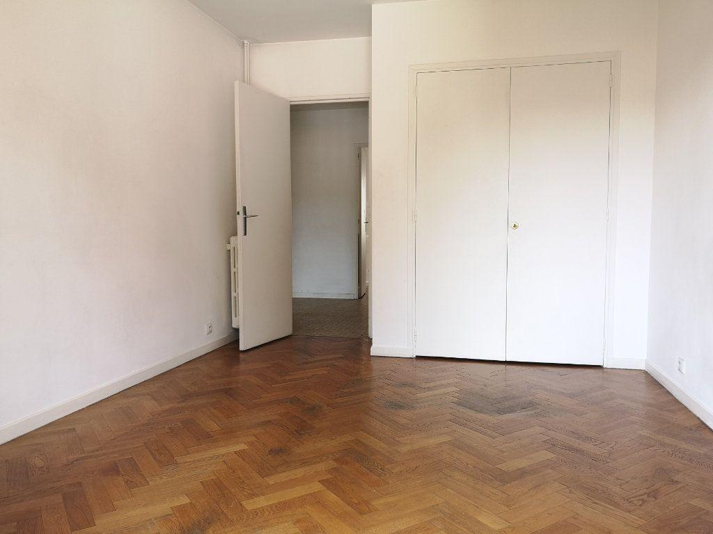 Appartement à louer 3 59.65m2 à Nice vignette-4