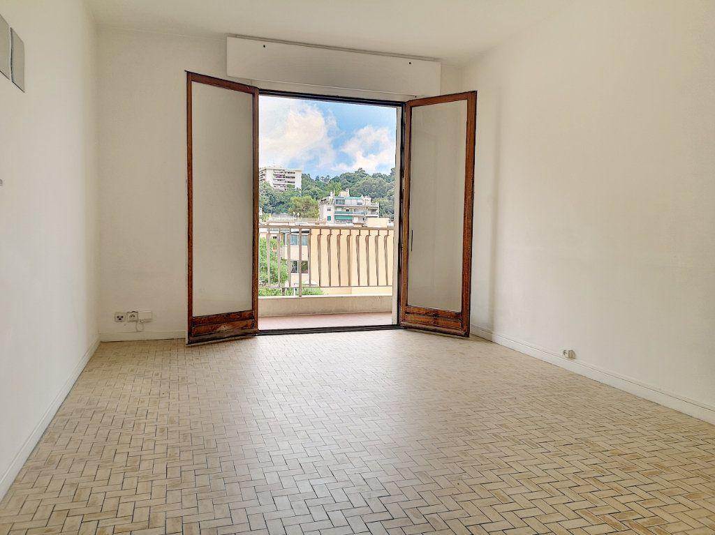 Appartement à louer 3 59.65m2 à Nice vignette-5