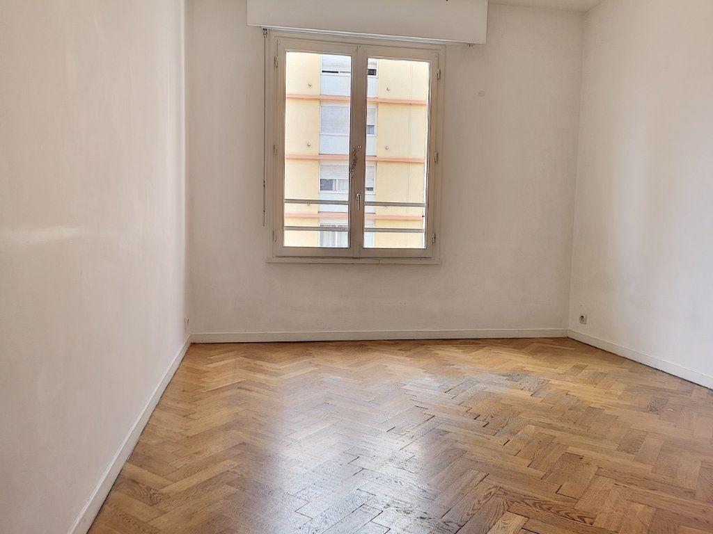 Appartement à louer 3 59.65m2 à Nice vignette-7