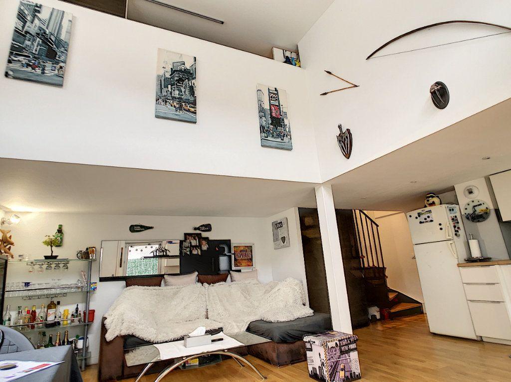 Appartement à vendre 3 62.81m2 à Cagnes-sur-Mer vignette-2