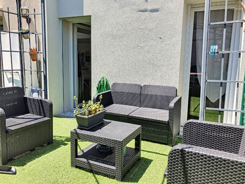 Appartement à vendre 3 62.81m2 à Cagnes-sur-Mer vignette-5