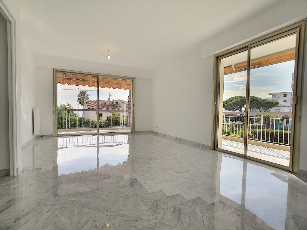 Appartement à louer 4 83.08m2 à Cagnes-sur-Mer vignette-2
