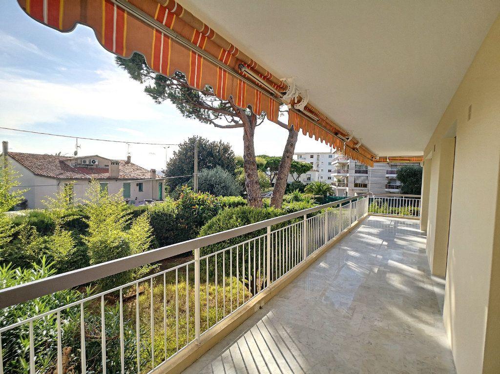 Appartement à louer 4 83.08m2 à Cagnes-sur-Mer vignette-3