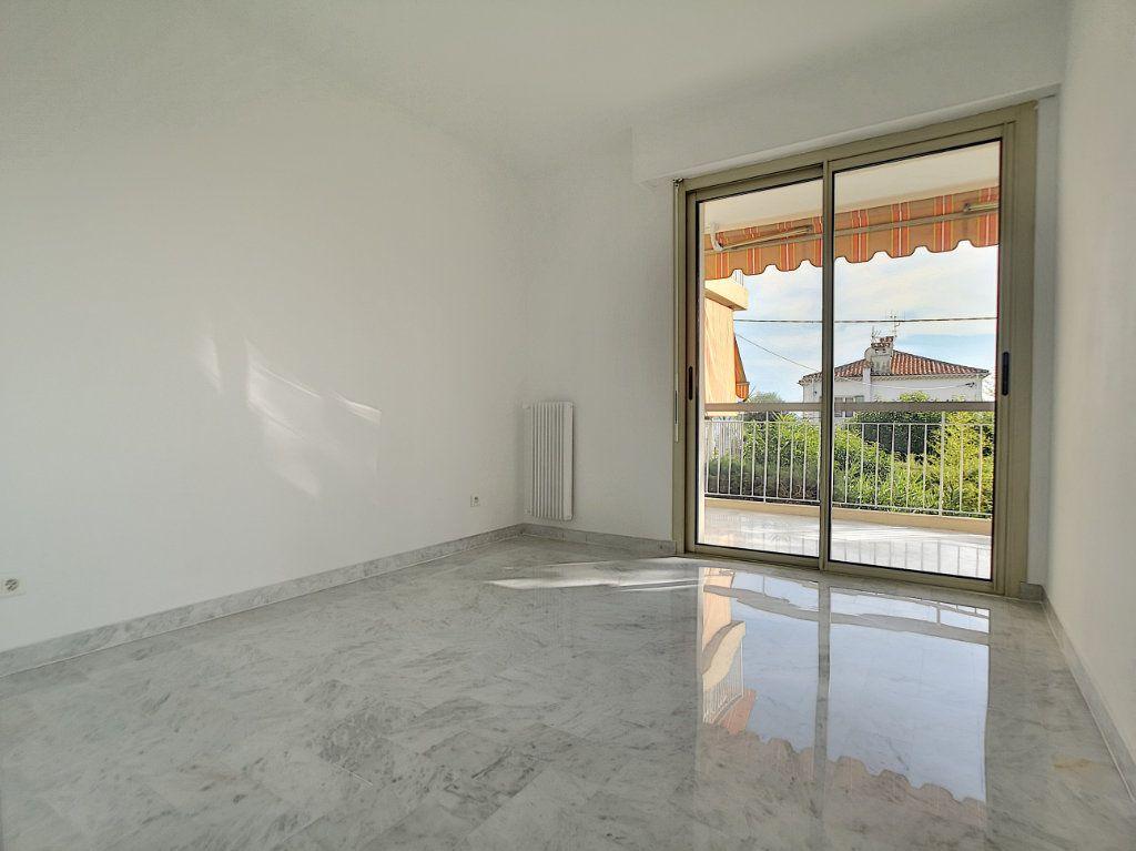 Appartement à louer 4 83.08m2 à Cagnes-sur-Mer vignette-5