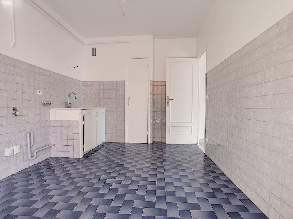 Appartement à louer 4 83.08m2 à Cagnes-sur-Mer vignette-7