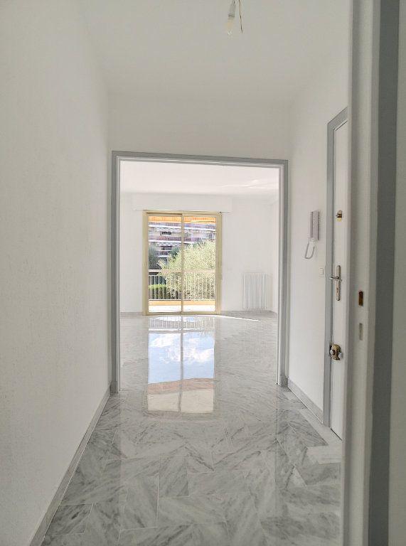 Appartement à louer 4 83.08m2 à Cagnes-sur-Mer vignette-8