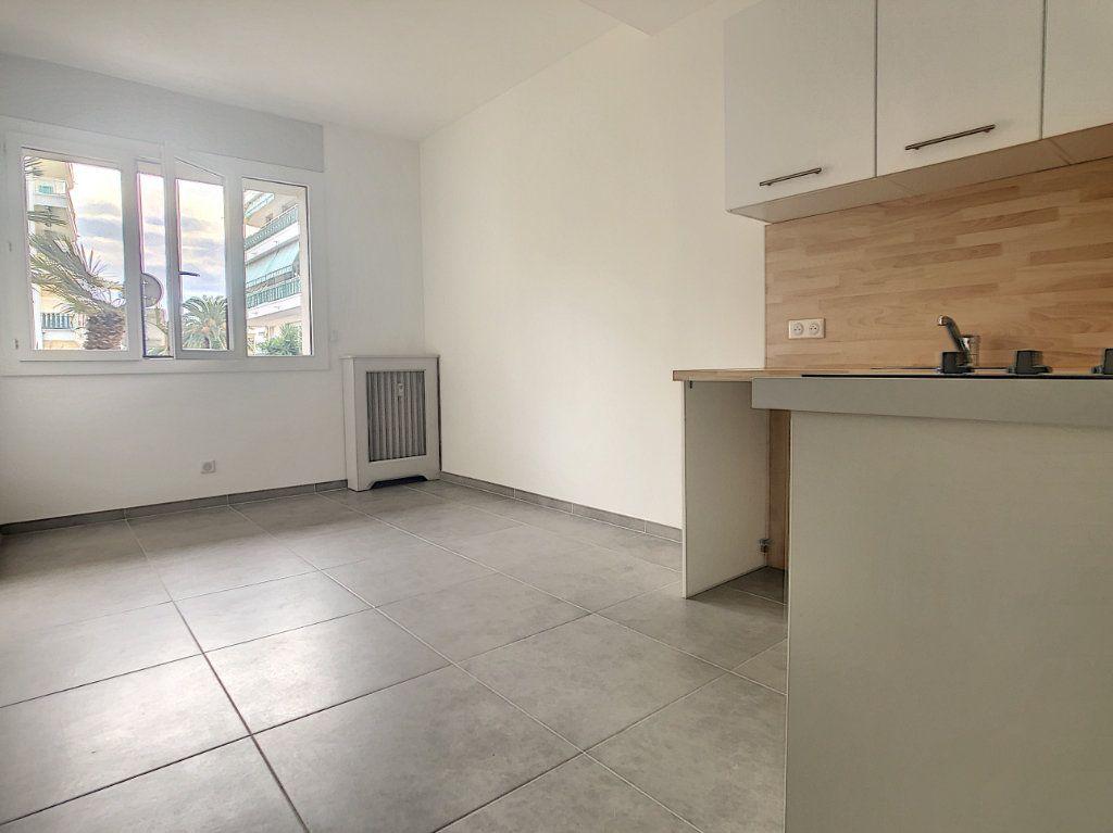 Appartement à vendre 2 37.05m2 à Cagnes-sur-Mer vignette-1