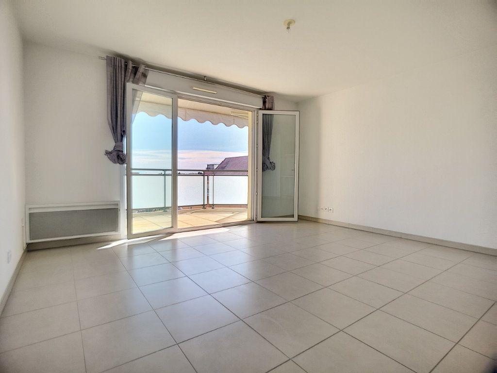 Appartement à louer 2 44.54m2 à Saint-Laurent-du-Var vignette-3