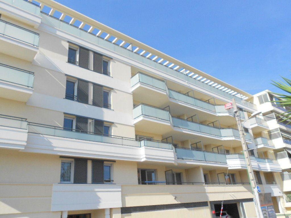 Appartement à louer 2 44.54m2 à Saint-Laurent-du-Var vignette-8