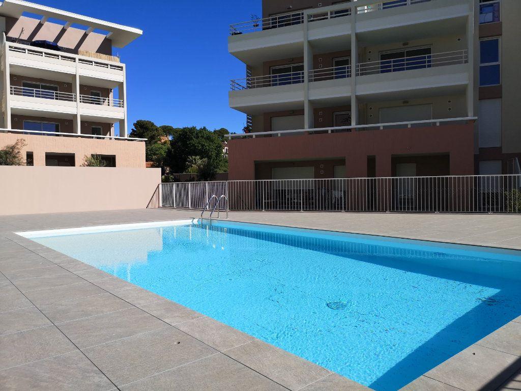 Appartement à louer 2 42.1m2 à Villeneuve-Loubet vignette-3