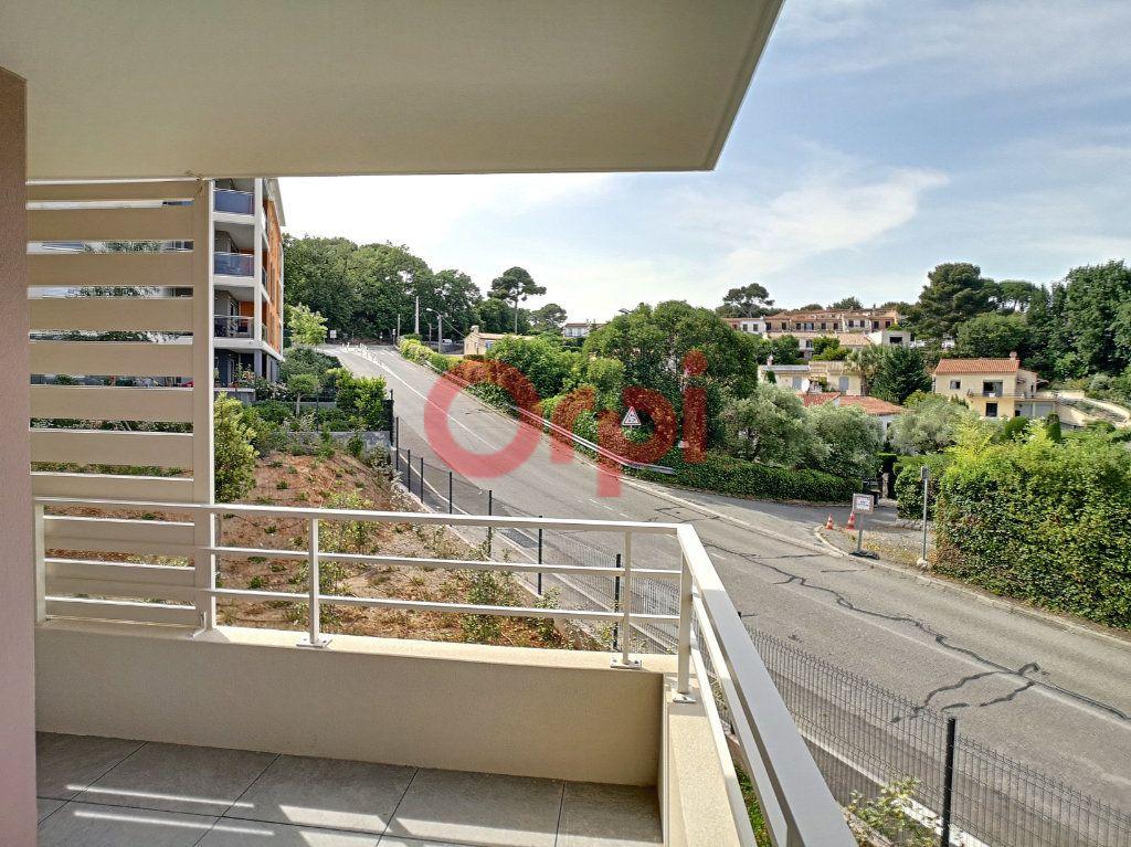 Appartement à louer 2 42.1m2 à Villeneuve-Loubet vignette-4