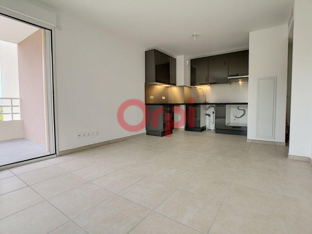 Appartement à louer 2 42.1m2 à Villeneuve-Loubet vignette-5