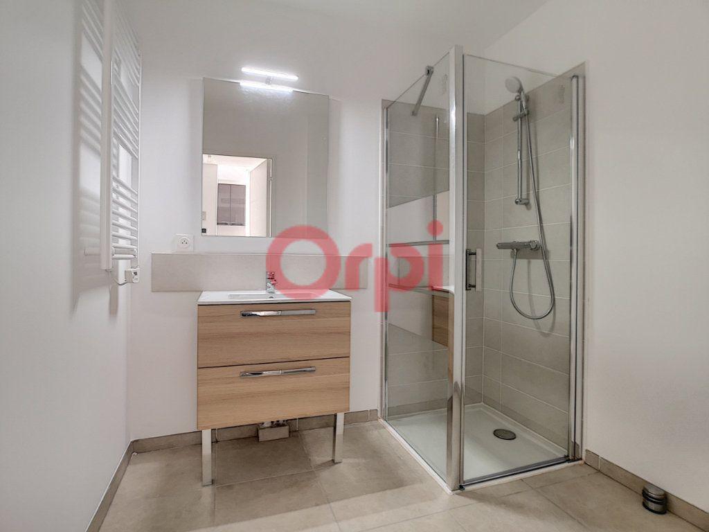 Appartement à louer 2 42.1m2 à Villeneuve-Loubet vignette-9
