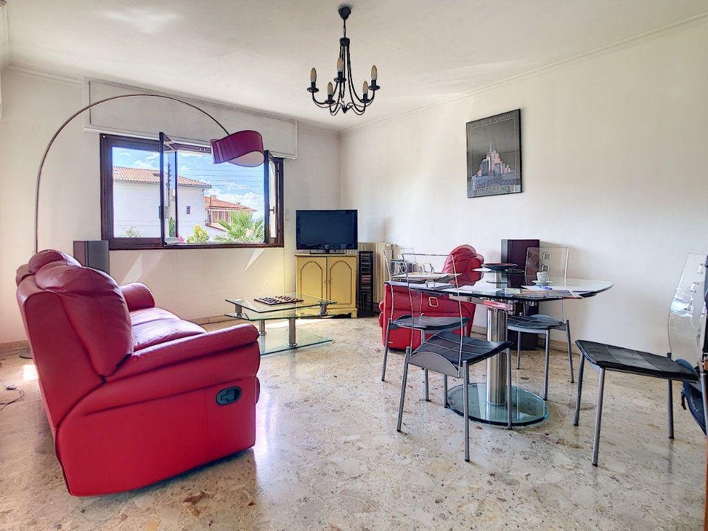 Appartement à vendre 3 70.29m2 à Saint-Laurent-du-Var vignette-3