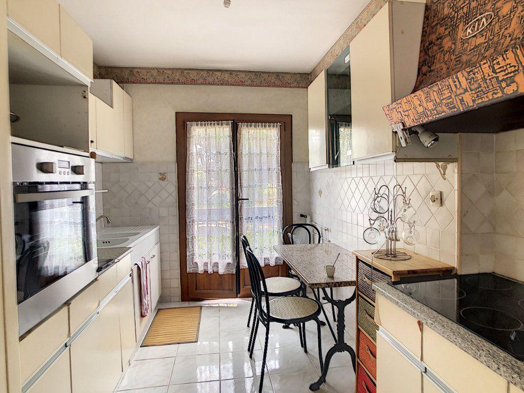 Appartement à vendre 3 70.29m2 à Saint-Laurent-du-Var vignette-7
