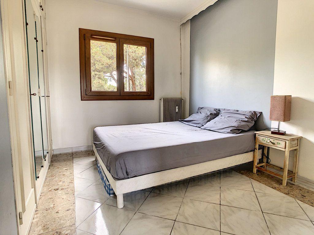 Appartement à vendre 3 70.29m2 à Saint-Laurent-du-Var vignette-10