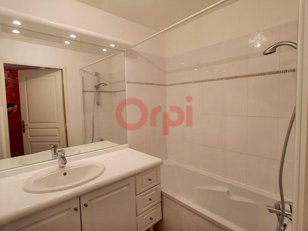Appartement à louer 2 42.02m2 à Saint-Laurent-du-Var vignette-7