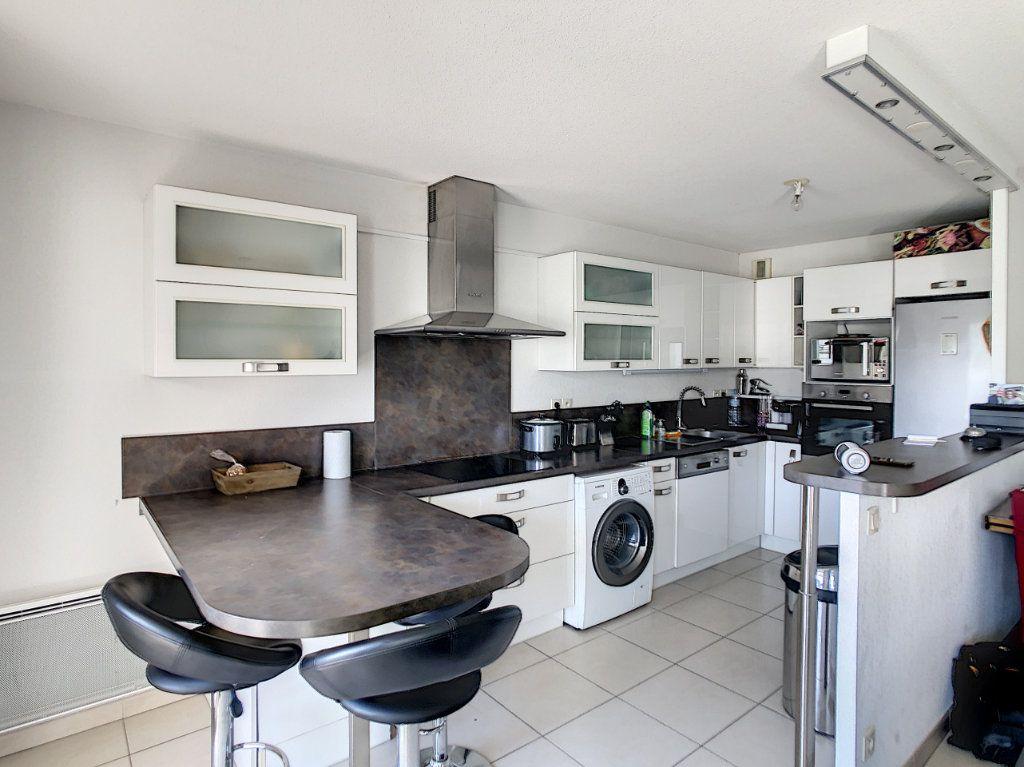 Appartement à vendre 3 65.12m2 à Cagnes-sur-Mer vignette-6
