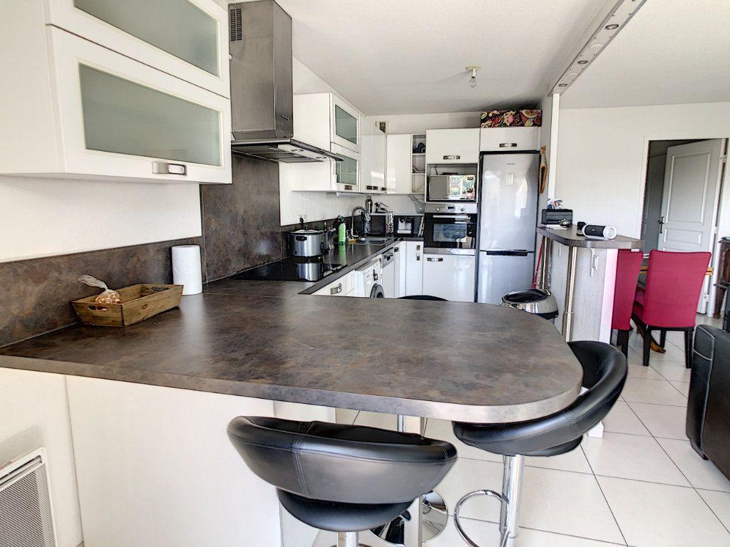 Appartement à vendre 3 65.12m2 à Cagnes-sur-Mer vignette-7