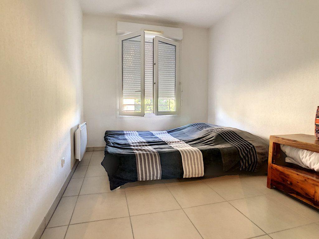 Appartement à vendre 3 65.12m2 à Cagnes-sur-Mer vignette-10