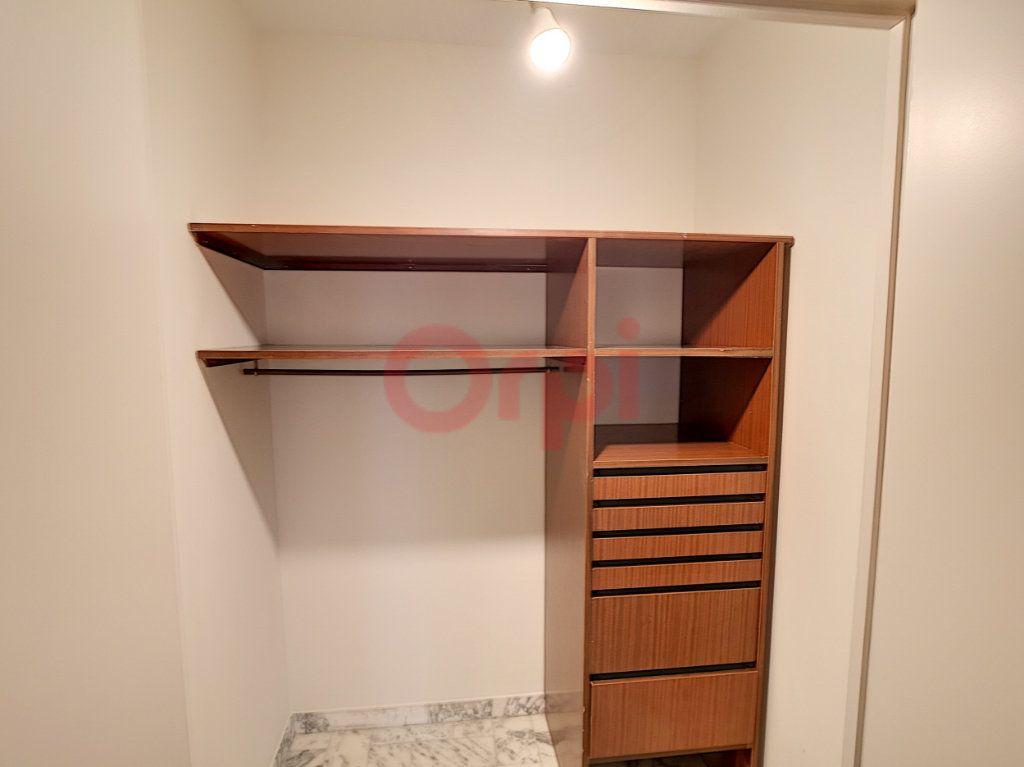 Appartement à louer 3 70.87m2 à Saint-Laurent-du-Var vignette-8