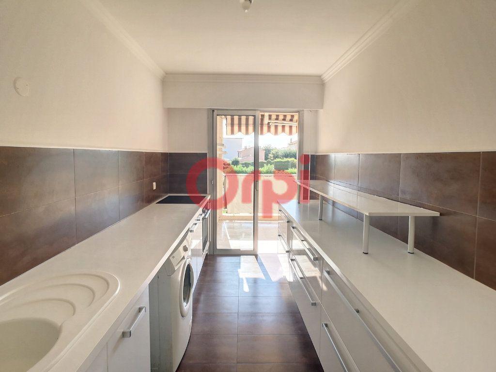 Appartement à louer 2 52.3m2 à Saint-Laurent-du-Var vignette-5