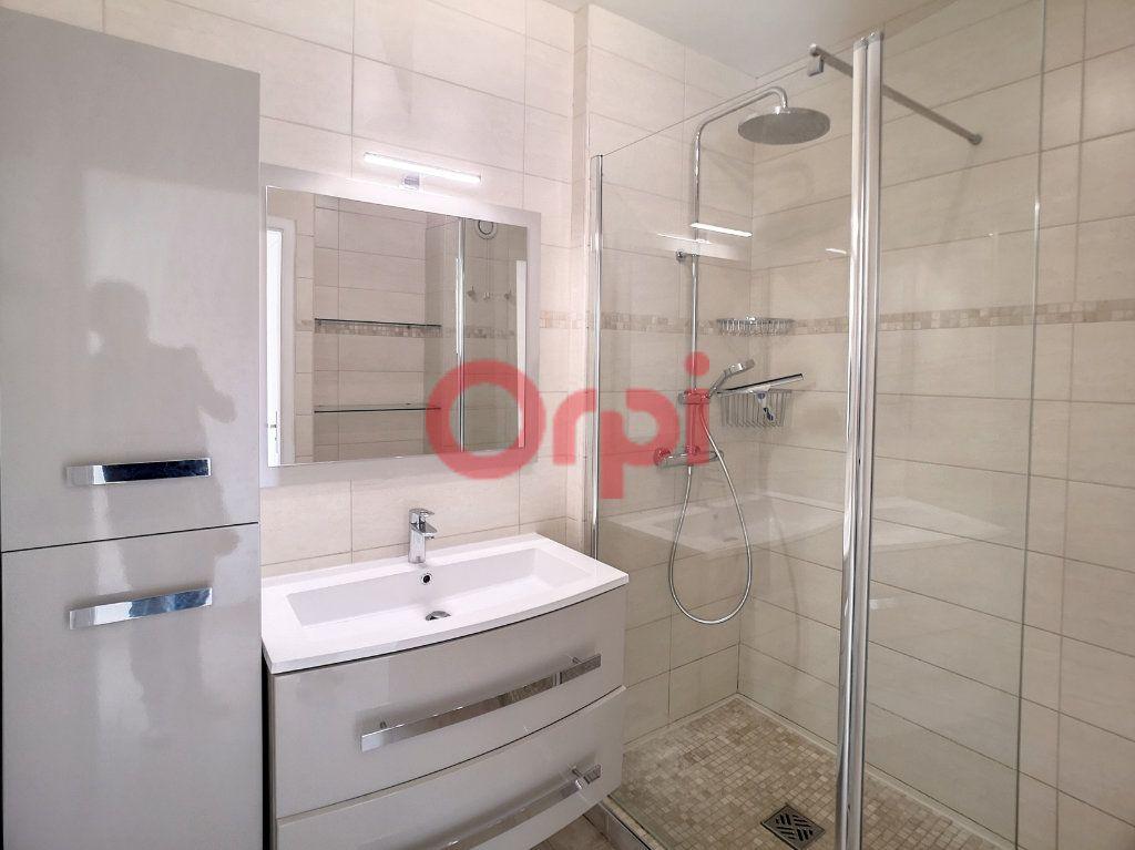 Appartement à louer 2 52.3m2 à Saint-Laurent-du-Var vignette-6
