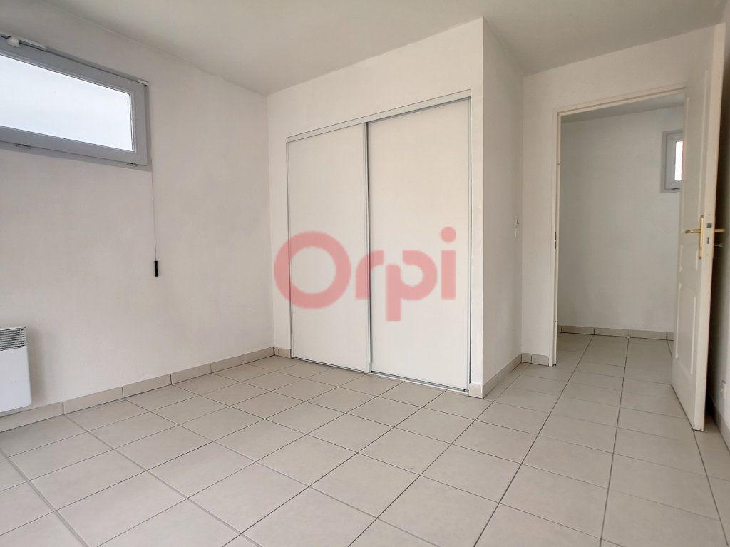 Appartement à louer 2 39.04m2 à Saint-Laurent-du-Var vignette-5