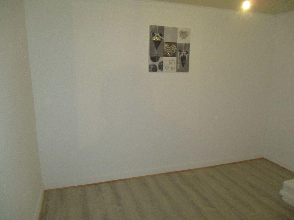 Maison à vendre 4 80m2 à Sivry-sur-Meuse vignette-7
