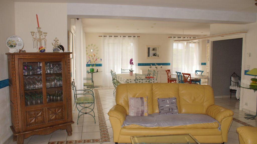 Maison à vendre 8 201m2 à Thierville-sur-Meuse vignette-6