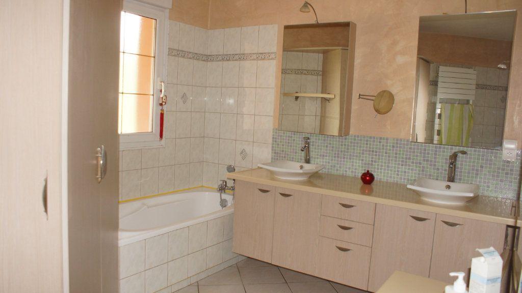 Maison à vendre 8 201m2 à Thierville-sur-Meuse vignette-8