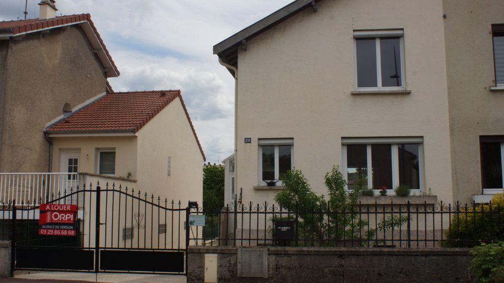 Maison à louer 5 70m2 à Belleville-sur-Meuse vignette-1