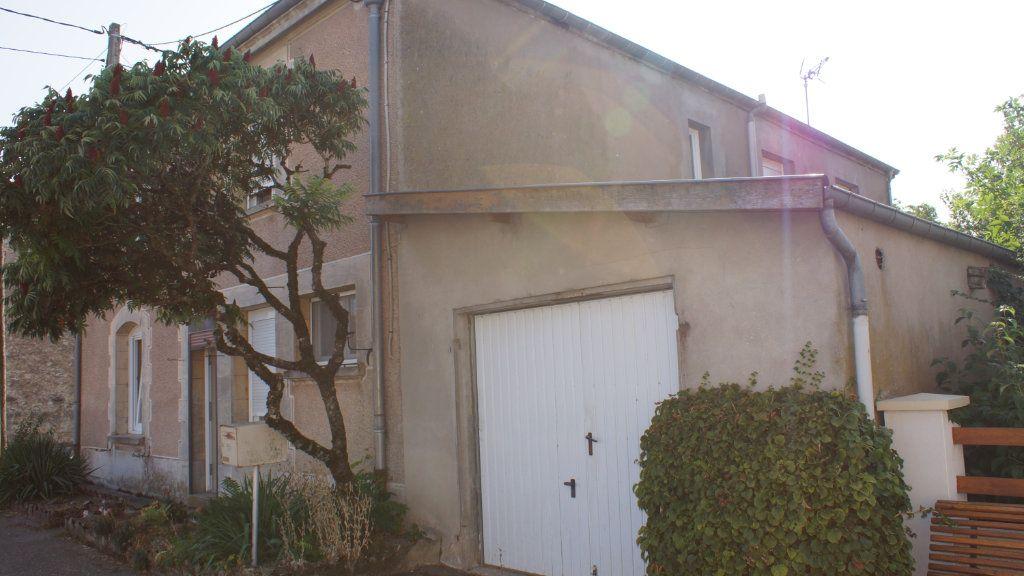 Maison à vendre 6 151m2 à Clermont-en-Argonne vignette-1