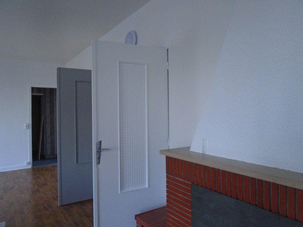 Appartement à louer 4 102m2 à Verdun vignette-5
