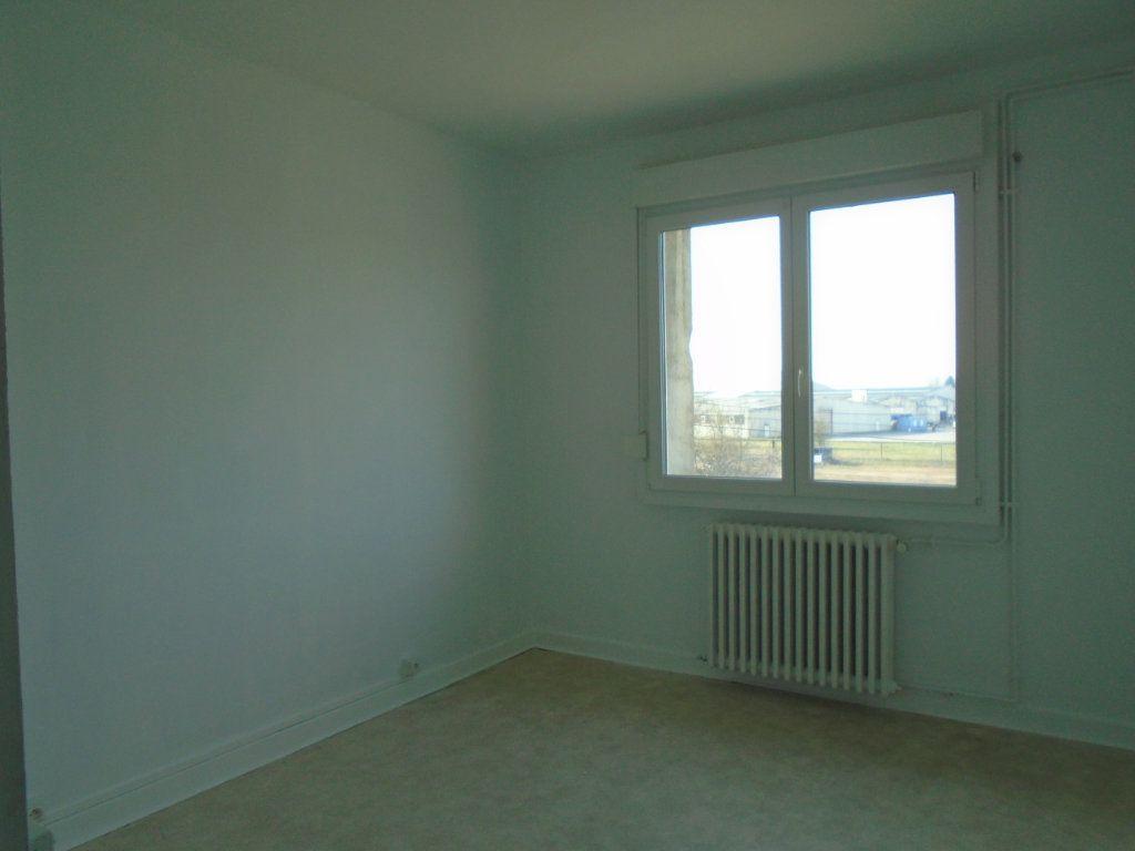 Appartement à louer 4 102m2 à Verdun vignette-6