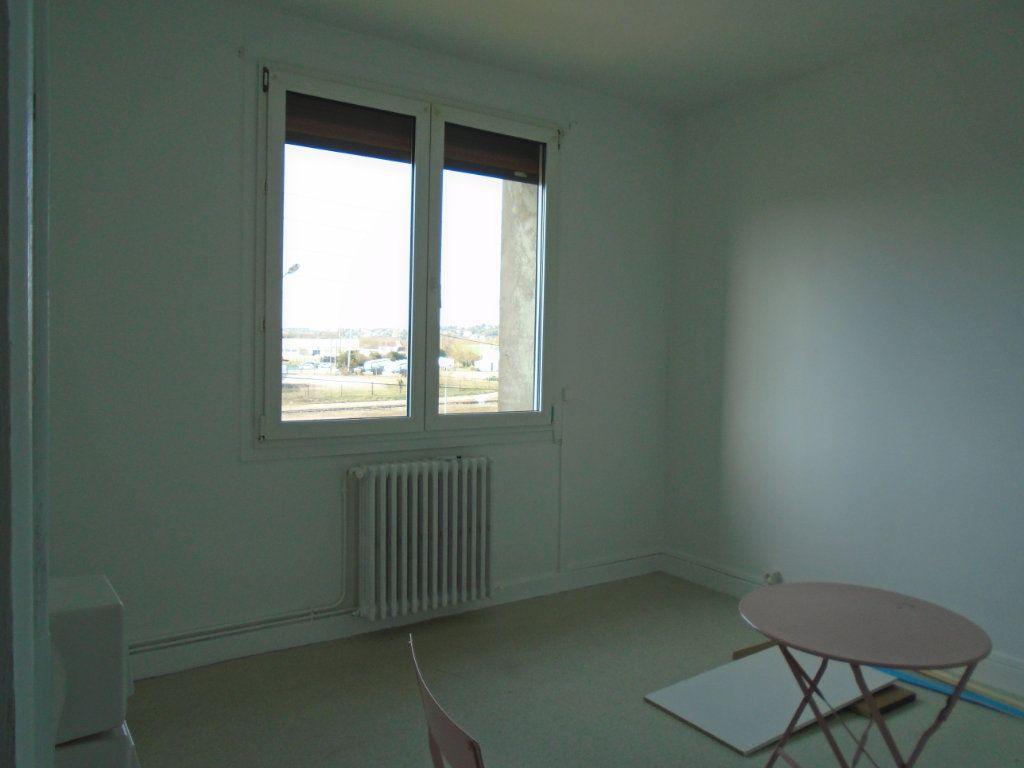 Appartement à louer 4 102m2 à Verdun vignette-9