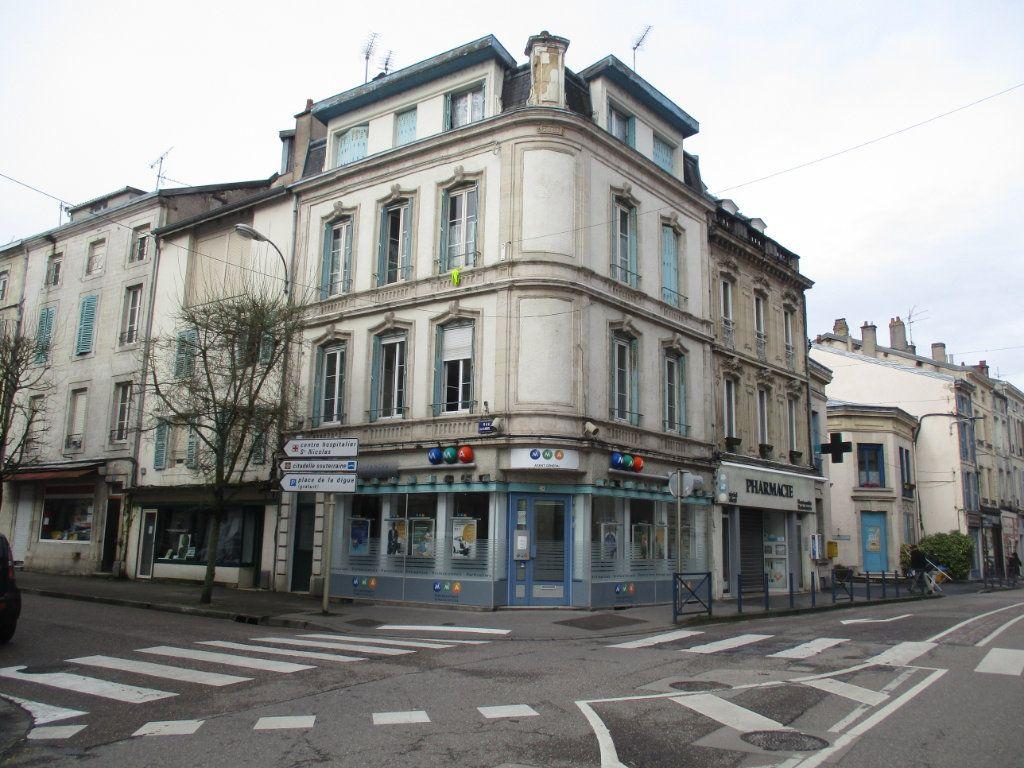 Appartement à vendre 4 82m2 à Verdun vignette-1