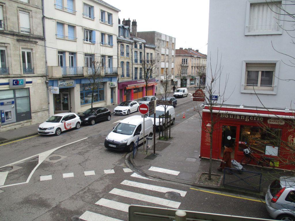 Appartement à vendre 4 82m2 à Verdun vignette-2