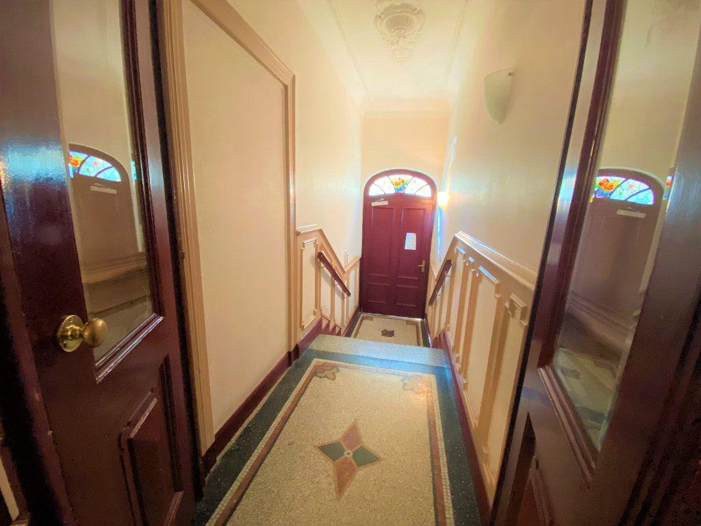 Appartement à vendre 5 107.46m2 à Metz vignette-3