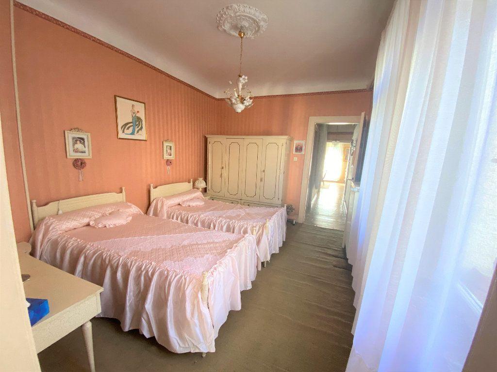 Appartement à vendre 5 107.46m2 à Metz vignette-13