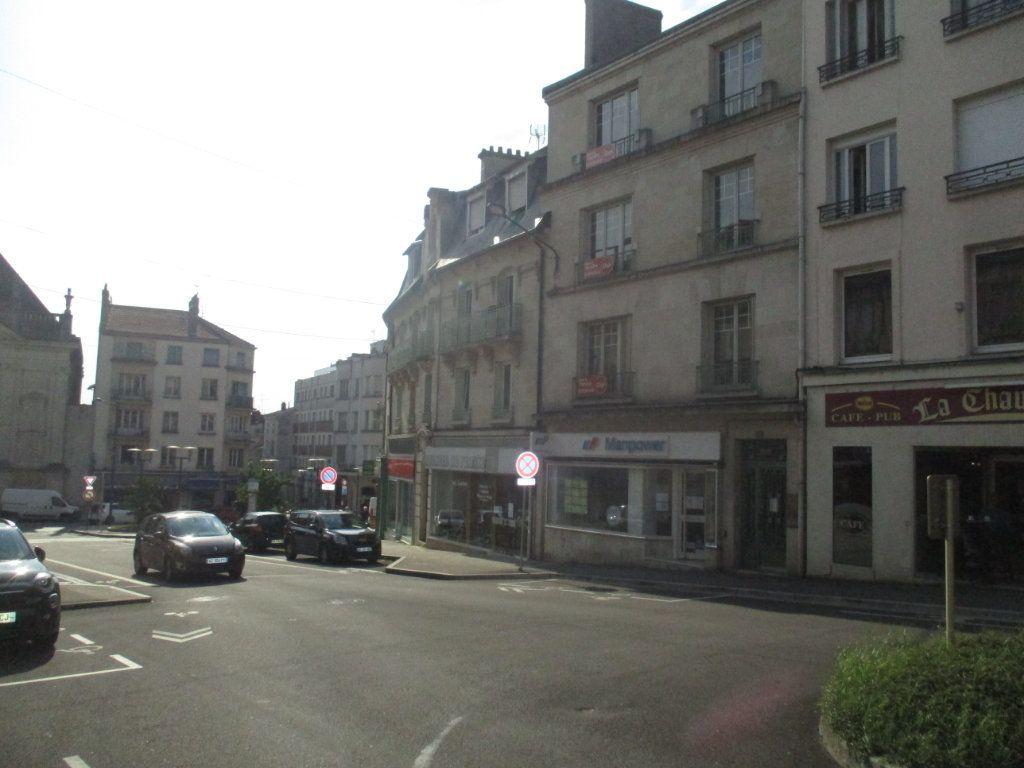 Immeuble à vendre 0 518m2 à Verdun vignette-2