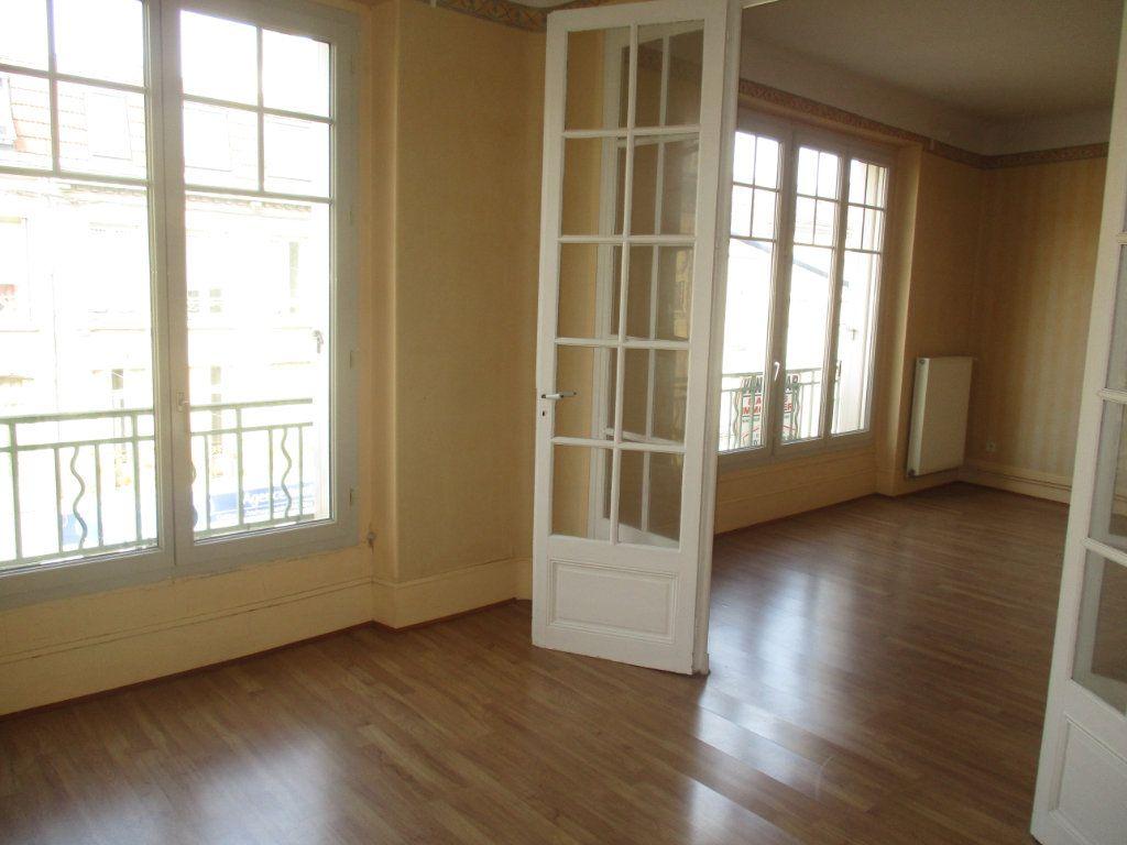Immeuble à vendre 0 518m2 à Verdun vignette-9