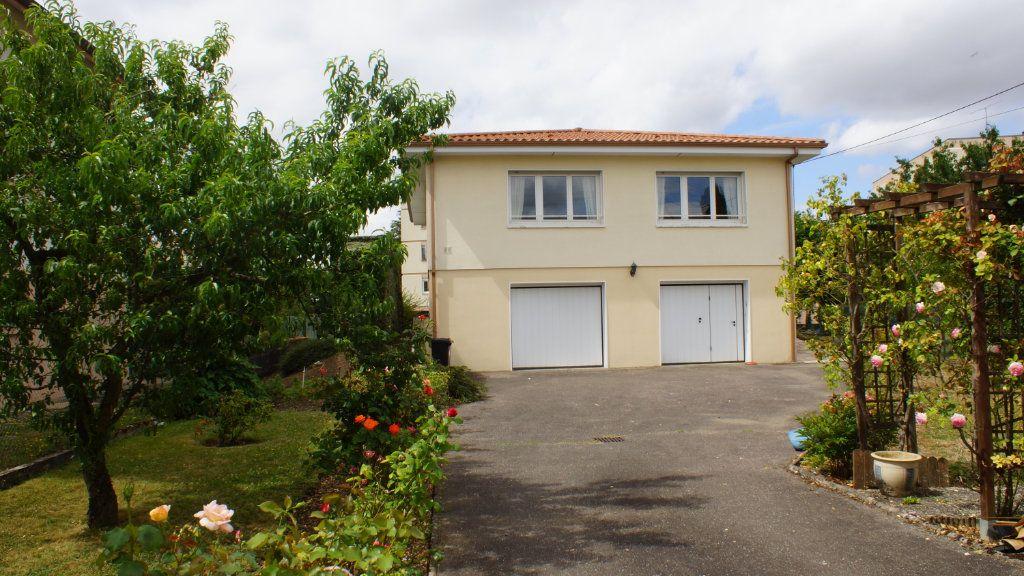 Maison à vendre 7 136m2 à Belleville-sur-Meuse vignette-1