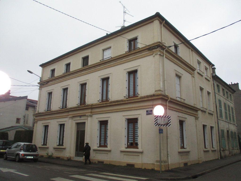 Appartement à louer 2 34.86m2 à Verdun vignette-4