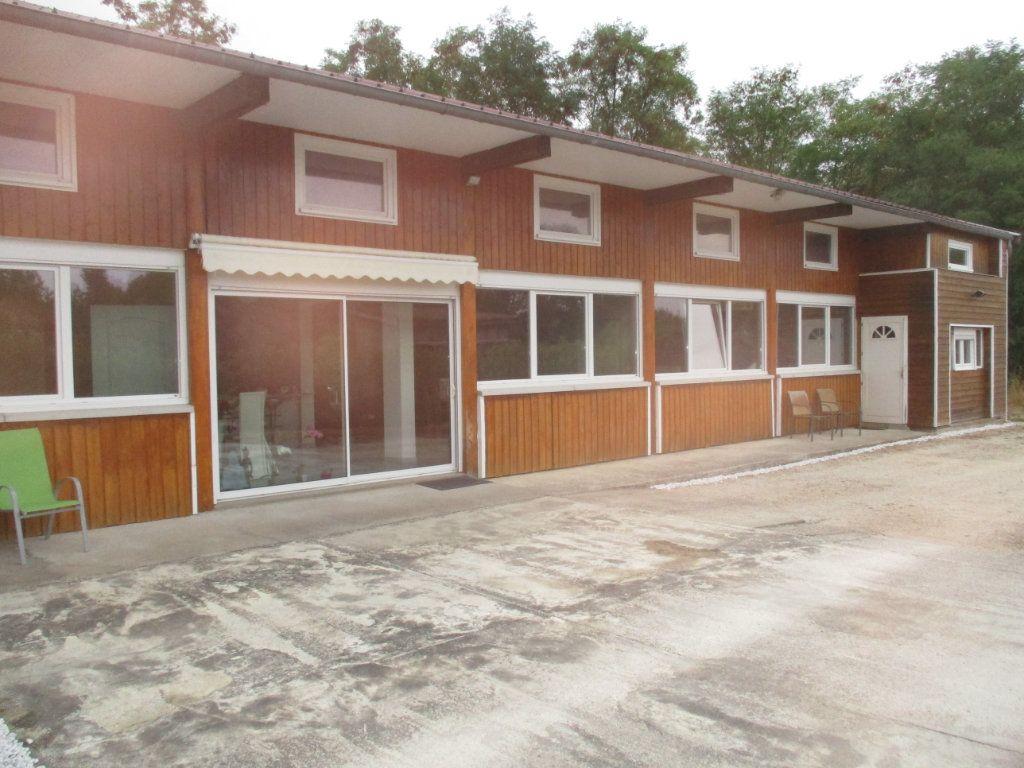 Maison à vendre 6 132m2 à Thierville-sur-Meuse vignette-2